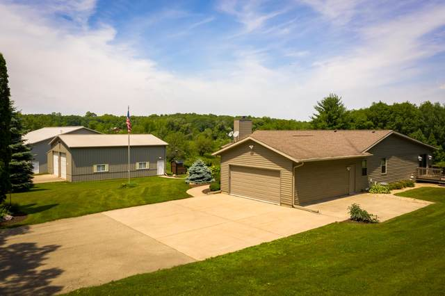 N8212 County Road G, Waterloo, WI 53551 (#1696965) :: RE/MAX Service First