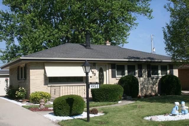 4453 S 64th St, Greenfield, WI 53220 (#1697073) :: Keller Williams Realty - Milwaukee Southwest