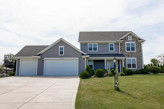 W226N4115 Country Ln, Pewaukee, WI 53072 (#1697111) :: OneTrust Real Estate