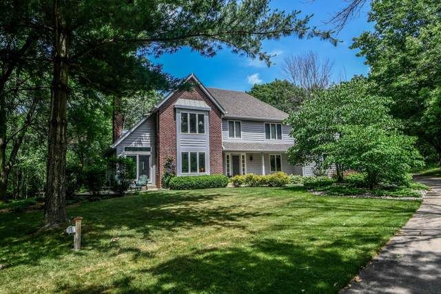 1248 N Lost Woods Rd, Summit, WI 53066 (#1697187) :: Keller Williams Realty - Milwaukee Southwest