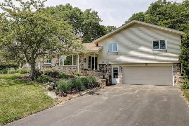 3305 Hidden Hills Dr, Brookfield, WI 53005 (#1697197) :: RE/MAX Service First Service First Pros