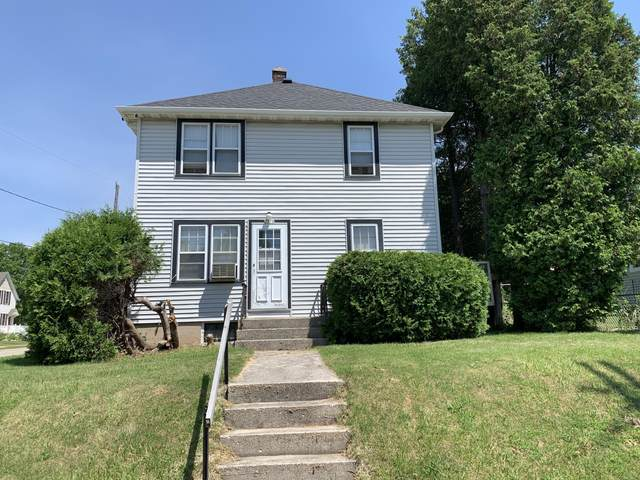 2514 Clark St, Manitowoc, WI 54220 (#1697200) :: Tom Didier Real Estate Team