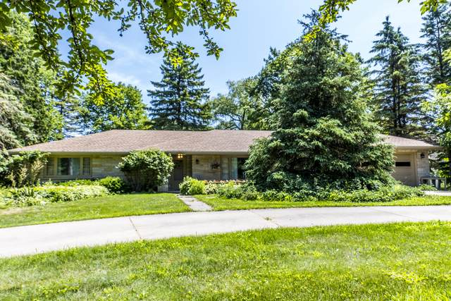 3900 N 165th St, Brookfield, WI 53005 (#1697227) :: OneTrust Real Estate