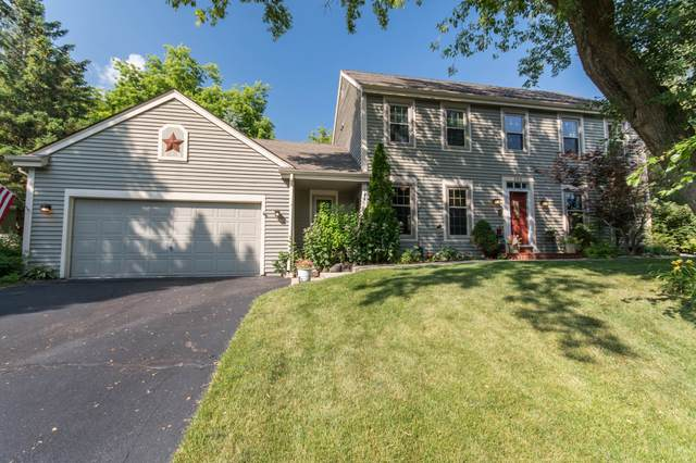 800 Old Tower Rd, Oconomowoc, WI 53066 (#1697373) :: Keller Williams Realty - Milwaukee Southwest