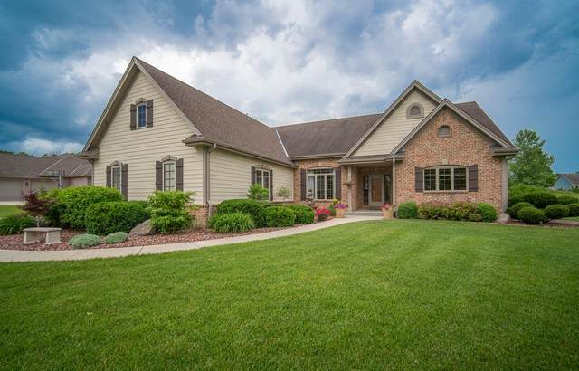 2411 Brookside Dr, Jackson, WI 53037 (#1697450) :: RE/MAX Service First Service First Pros