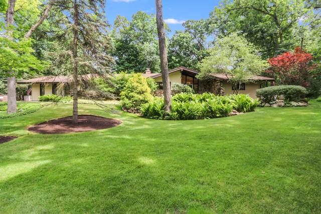 855 Tarrant Dr, Fontana, WI 53125 (#1697485) :: NextHome Prime Real Estate