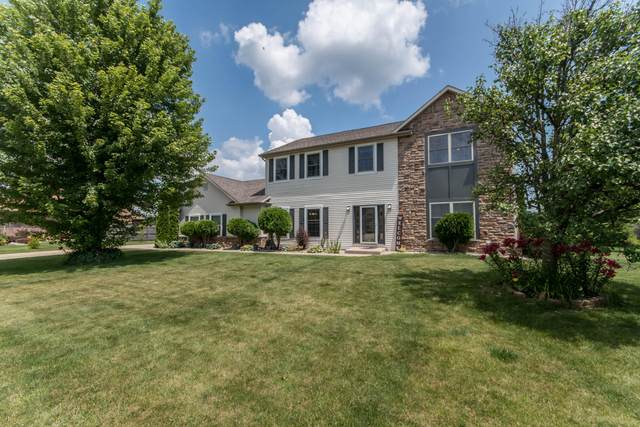 2704 10th Pl, Somers, WI 53140 (#1697493) :: RE/MAX Service First Service First Pros