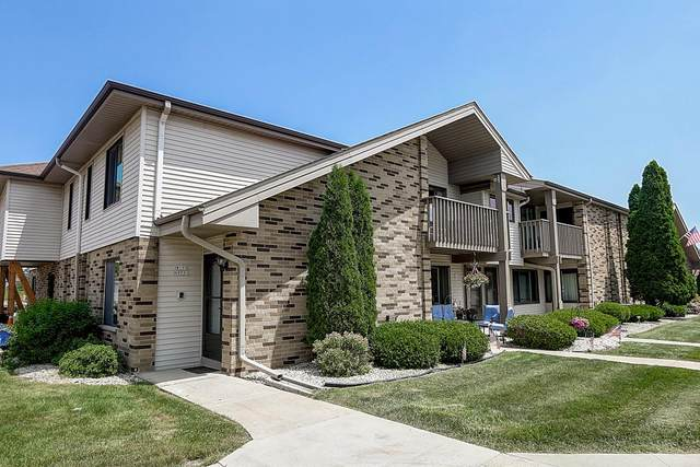 W176N9781 Rivercrest Dr, Germantown, WI 53022 (#1697559) :: Keller Williams Realty - Milwaukee Southwest