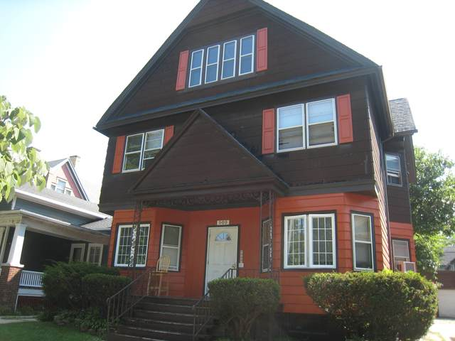 909 College Ave, Racine, WI 53403 (#1697568) :: Tom Didier Real Estate Team