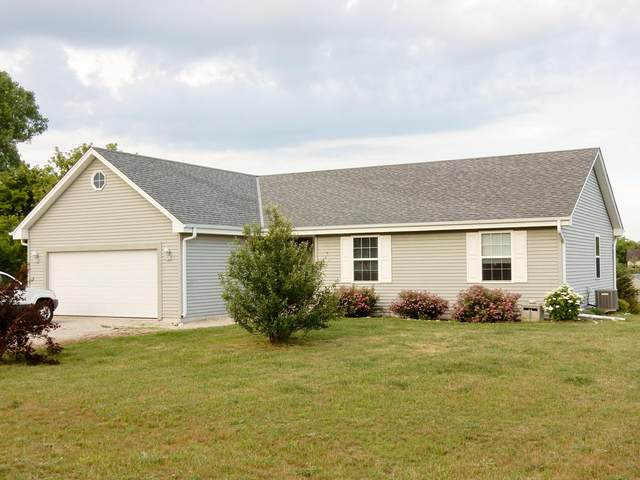 W362S10218 Lewin Ln, Eagle, WI 53119 (#1697659) :: OneTrust Real Estate