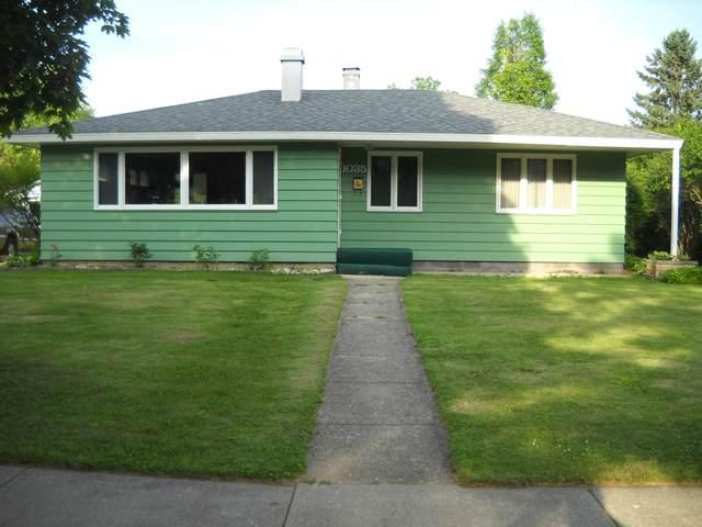 1035 Madison St, Lake Geneva, WI 53147 (#1697723) :: Tom Didier Real Estate Team