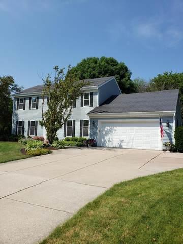 N24W22543 Beechwood Ln, Pewaukee, WI 53186 (#1697734) :: OneTrust Real Estate