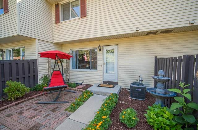 W164N11534 Castle Ct, Germantown, WI 53022 (#1697754) :: RE/MAX Service First Service First Pros