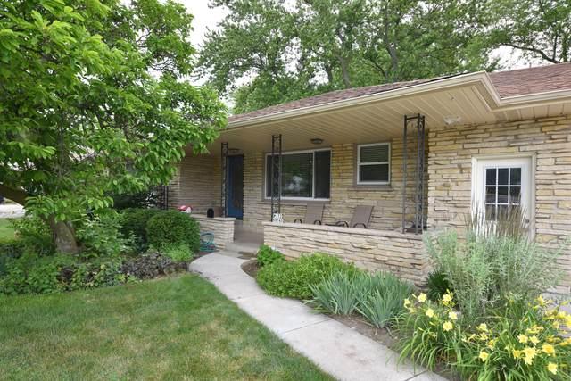 W172N8740 Shady Ln, Menomonee Falls, WI 53051 (#1697760) :: OneTrust Real Estate