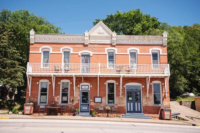 809 N Main St, Alma, WI 54610 (#1697859) :: RE/MAX Service First Service First Pros