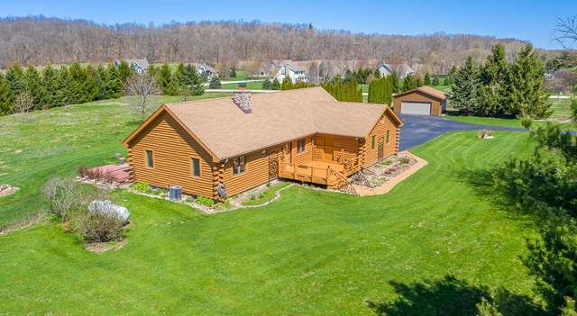 231 Scenic Rd, Richfield, WI 53017 (#1697954) :: RE/MAX Service First Service First Pros