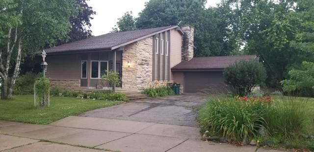406 W Prospect St, Hartford, WI 53027 (#1698184) :: Tom Didier Real Estate Team