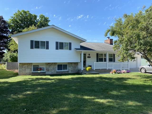 1155 Edwin St, Marinette, WI 54143 (#1698207) :: RE/MAX Service First Service First Pros