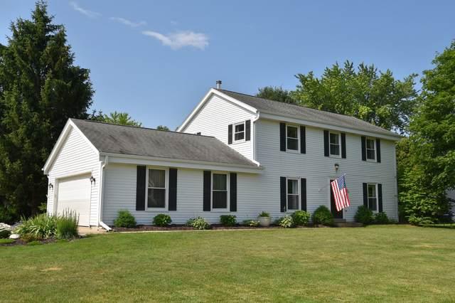 N24W22323 Elmwood Dr, Pewaukee, WI 53186 (#1698248) :: OneTrust Real Estate