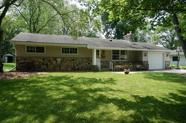 5419 Olympia Dr, Greendale, WI 53129 (#1698291) :: RE/MAX Service First Service First Pros