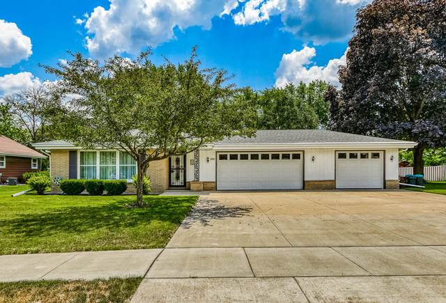 4221 W Edgerton Ave, Greenfield, WI 53221 (#1698324) :: Tom Didier Real Estate Team