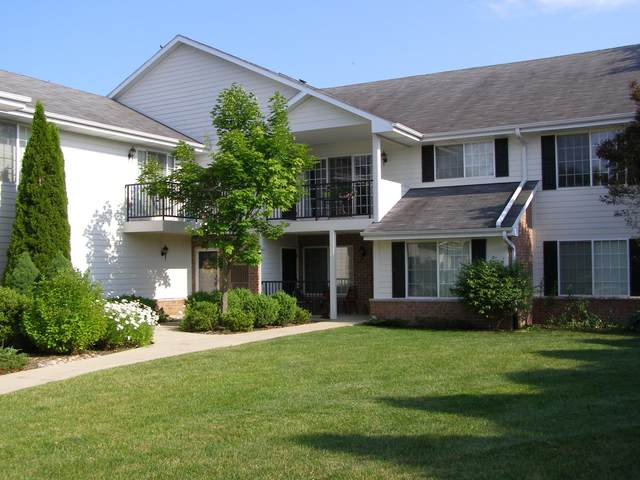 1512 24TH AVE #35, Kenosha, WI 53140 (#1698435) :: RE/MAX Service First Service First Pros
