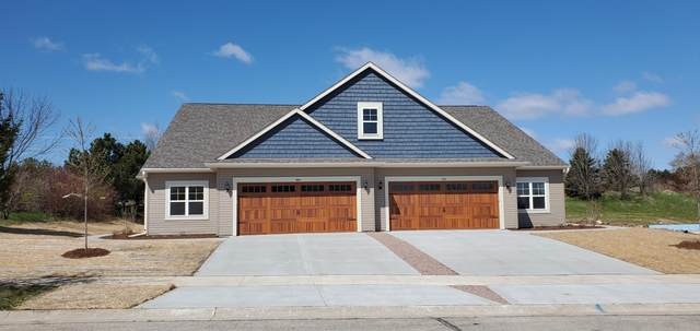872 Bridlewood Dr #2, Hartford, WI 53027 (#1698478) :: RE/MAX Service First Service First Pros