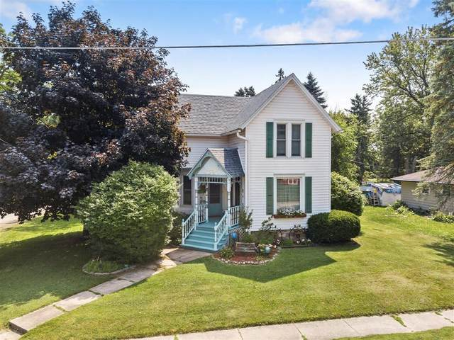 301 S 3rd St, Waterford, WI 53185 (#1698531) :: RE/MAX Service First Service First Pros