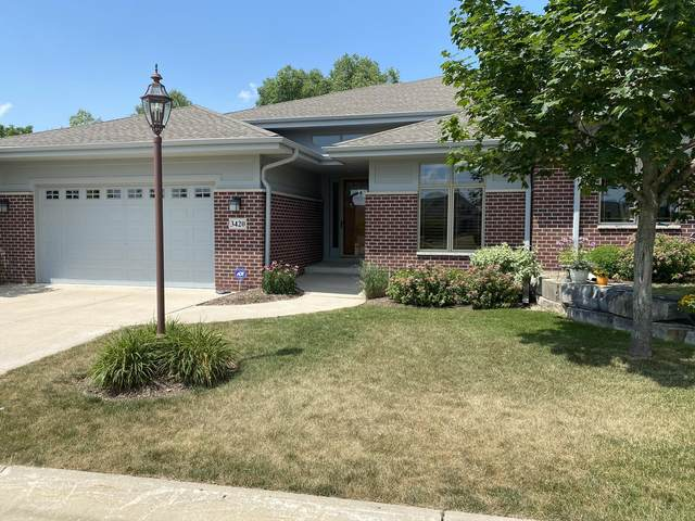 3420 Sequoia Cir, Waukesha, WI 53188 (#1698551) :: RE/MAX Service First Service First Pros