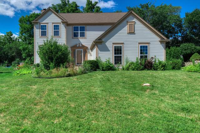 4722 W Forest Hill Ave, Franklin, WI 53132 (#1698572) :: RE/MAX Service First Service First Pros