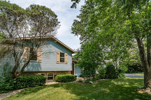 S43W25622 Maryanna Dr, Waukesha, WI 53189 (#1698607) :: RE/MAX Service First Service First Pros
