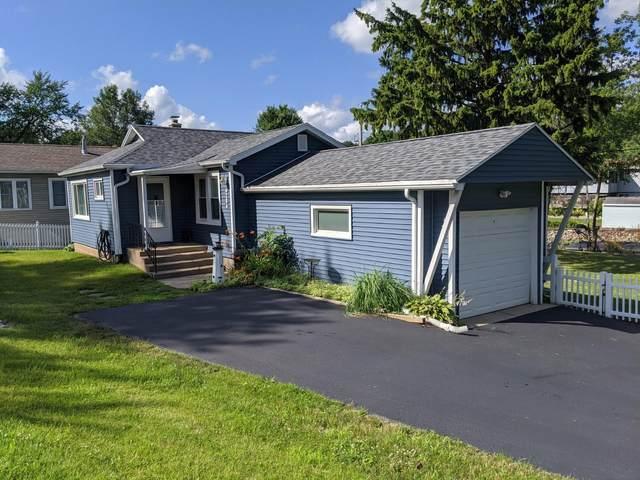 4204 East Dr, Delavan, WI 53115 (#1698642) :: OneTrust Real Estate