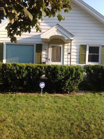 1425 South St, Racine, WI 53402 (#1698688) :: RE/MAX Service First Service First Pros