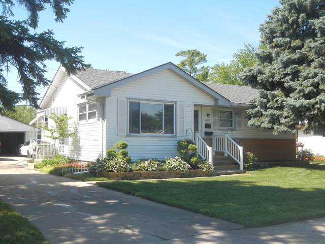8011 W Brentwood Ave., Milwaukee, WI 53226 (#1698703) :: RE/MAX Service First Service First Pros