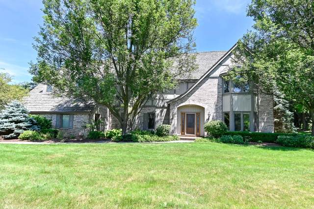5332 W River Trail Rd, Mequon, WI 53092 (#1698720) :: RE/MAX Service First Service First Pros