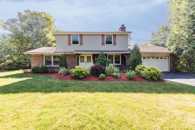 W224N2312 Elmwood Dr, Pewaukee, WI 53186 (#1698742) :: OneTrust Real Estate