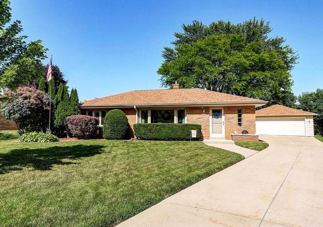 2230 Crestview Ct, Wauwatosa, WI 53226 (#1698814) :: OneTrust Real Estate