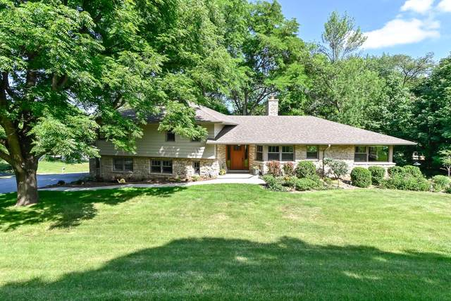 1020 Grandview Dr, Elm Grove, WI 53122 (#1698884) :: RE/MAX Service First Service First Pros