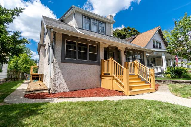 3531 N Murray Ave, Shorewood, WI 53211 (#1698903) :: Tom Didier Real Estate Team