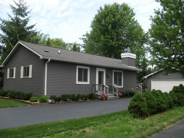 1518 Pheasant Ave, Twin Lakes, WI 53181 (#1698944) :: OneTrust Real Estate