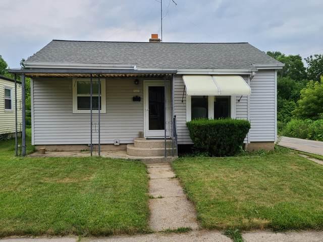 3403 S Kansas Ave., Milwaukee, WI 53207 (#1699106) :: Tom Didier Real Estate Team