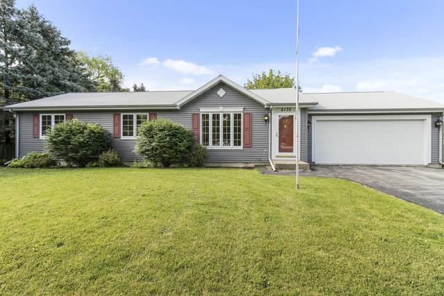 8135 Northwestern Ave, Caledonia, WI 53406 (#1699109) :: Tom Didier Real Estate Team