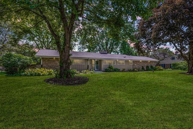 15205 Cascade Dr, Elm Grove, WI 53122 (#1699354) :: RE/MAX Service First Service First Pros