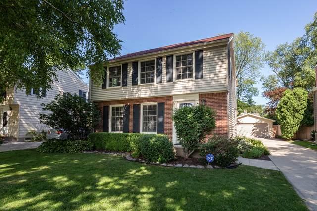 6116 N Shoreland Ave, Whitefish Bay, WI 53217 (#1699470) :: Tom Didier Real Estate Team