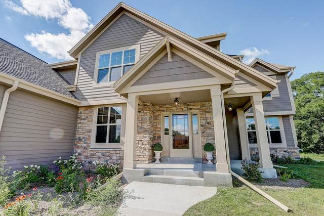 S38W27188 Cider Hills Dr, Waukesha, WI 53189 (#1699656) :: RE/MAX Service First Service First Pros