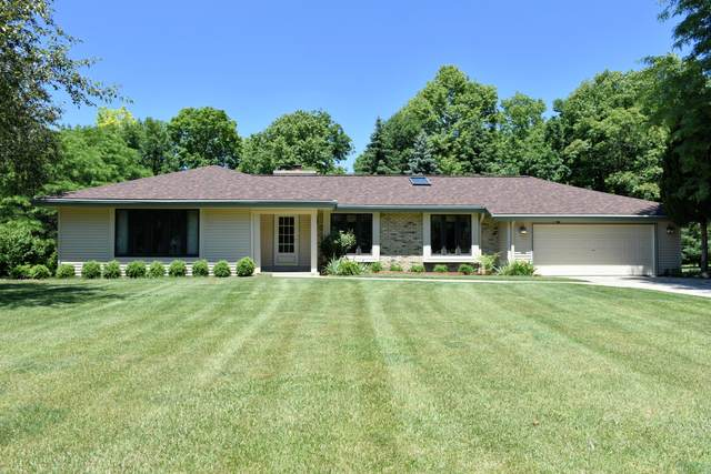 13260 Burlawn Ct, Brookfield, WI 53005 (#1699662) :: OneTrust Real Estate