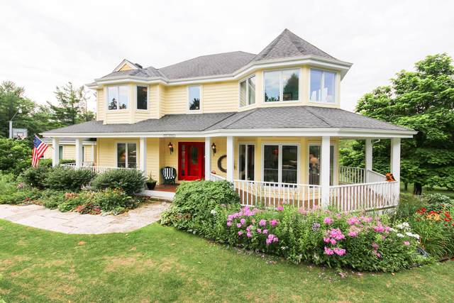 N95W19019 Cindy Cir, Menomonee Falls, WI 53051 (#1699734) :: NextHome Prime Real Estate