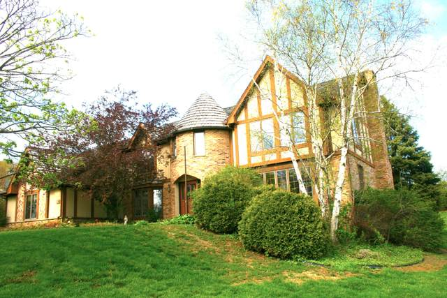4580 Danbury Dr, Brookfield, WI 53045 (#1699754) :: OneTrust Real Estate