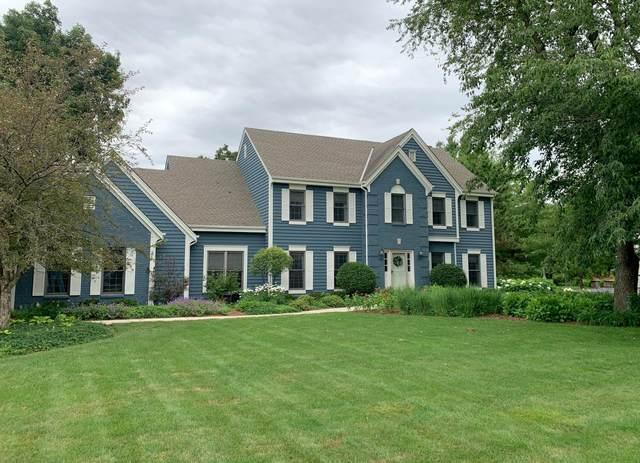 125 S Laurel Cir, Delafield, WI 53018 (#1699968) :: OneTrust Real Estate
