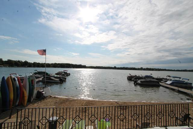2501 S Browns Lake Dr D-5, Burlington, WI 53105 (#1700029) :: OneTrust Real Estate